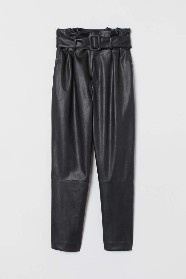 Ankle-length trousers and belt