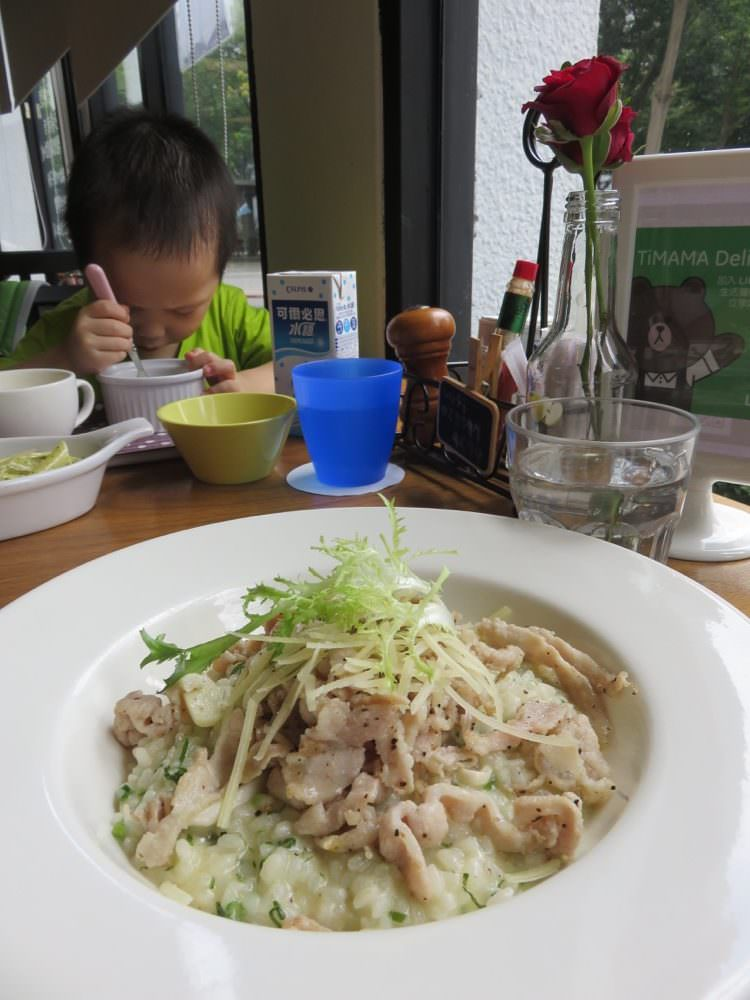 《台北內湖》下午茶 TiMAMA Deli & Cafe 閃躲陽光再見陽光