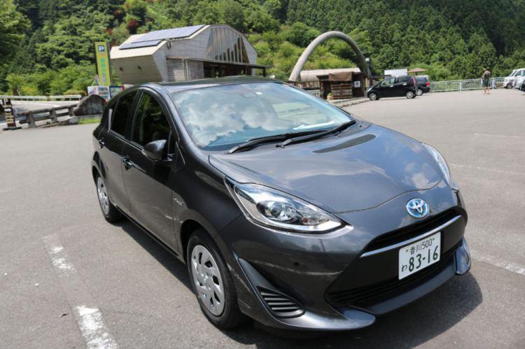 日本右駕開車習慣加油 租車自駕不可不知黃燈要小心