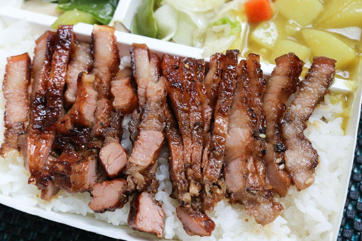 內湖烤肉便當東湖阿杜串燒烤肉飯 推鹹豬肉 - 老蝦不負責任的人生紀錄