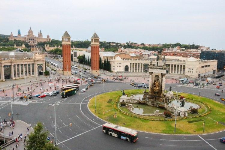 巴塞隆納西班牙廣場 阿勒那競技場魔幻噴泉必看
