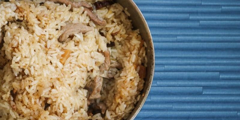 電鍋油飯作法 加點麻油更好吃 外鍋2杯水是關鍵 至於米糕