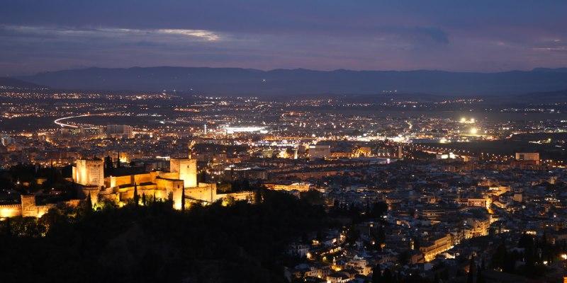 阿蘭布拉宮西班牙最美的阿拉伯城市附推薦瞭望台拍大片