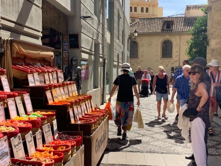 西班牙南部伴手禮超好買,老蝦推薦護士友人爆買物