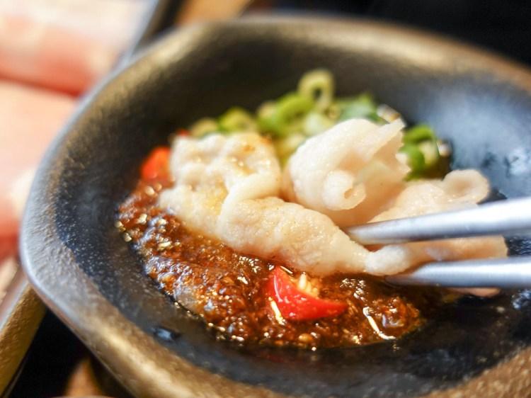 內湖火鍋 金鍋盃小火鍋吃肉吃海鮮湯底種類多 高品質寵物友善