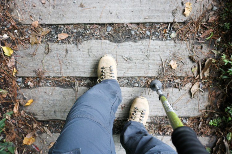 爬山下坡時腳趾頭很痛!指甲黑青甚至出現硬硬的繭怎麼辦