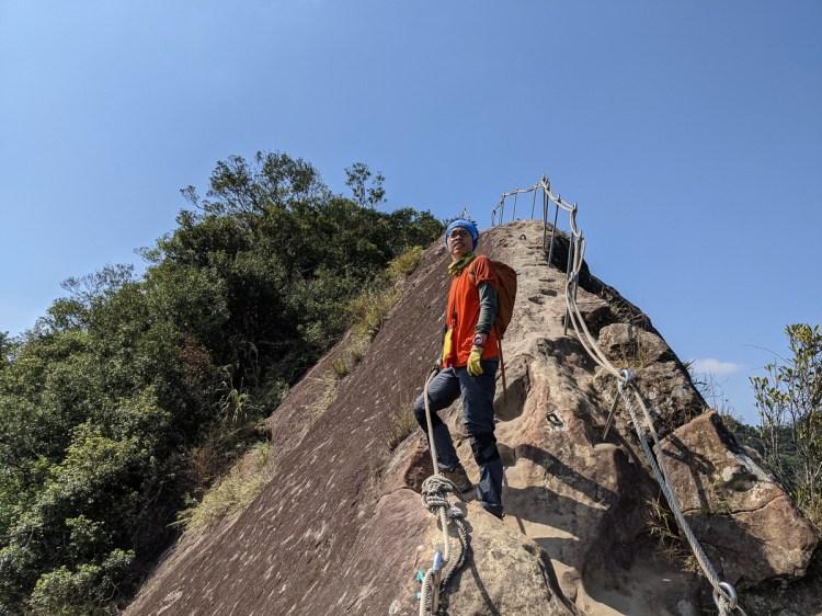 三峽五寮尖 刺激驚險爬山路線 峭壁雄峰拉繩垂降的體力活