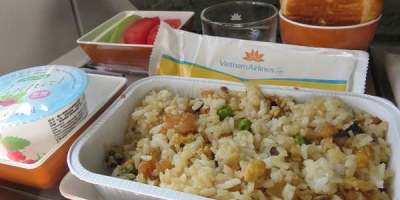 吳與倫比。Vietnam Airlines 越南航空 台灣到暹粒 戰鬥機魂