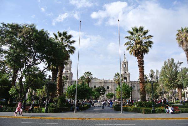 《南美》祕魯。阿雷基帕。城市風光。大教堂。漫步在Arequipa part1