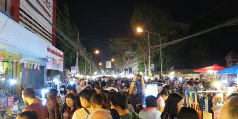 泰國清邁。週日夜市 Chiang Mai Sunday Walking Street
