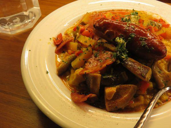 《台北》請慢用法國 Bon Appetit cafe restaurant。讓我對歐洲充滿興趣