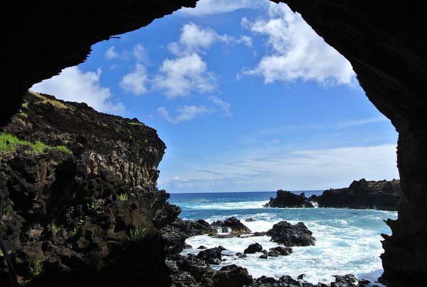《南美》智利復活島。Ana Kai Tangata。驚滔駭浪的食人島!?