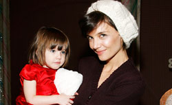 Suri Cruise and Katie Holmes. Click image to expand.