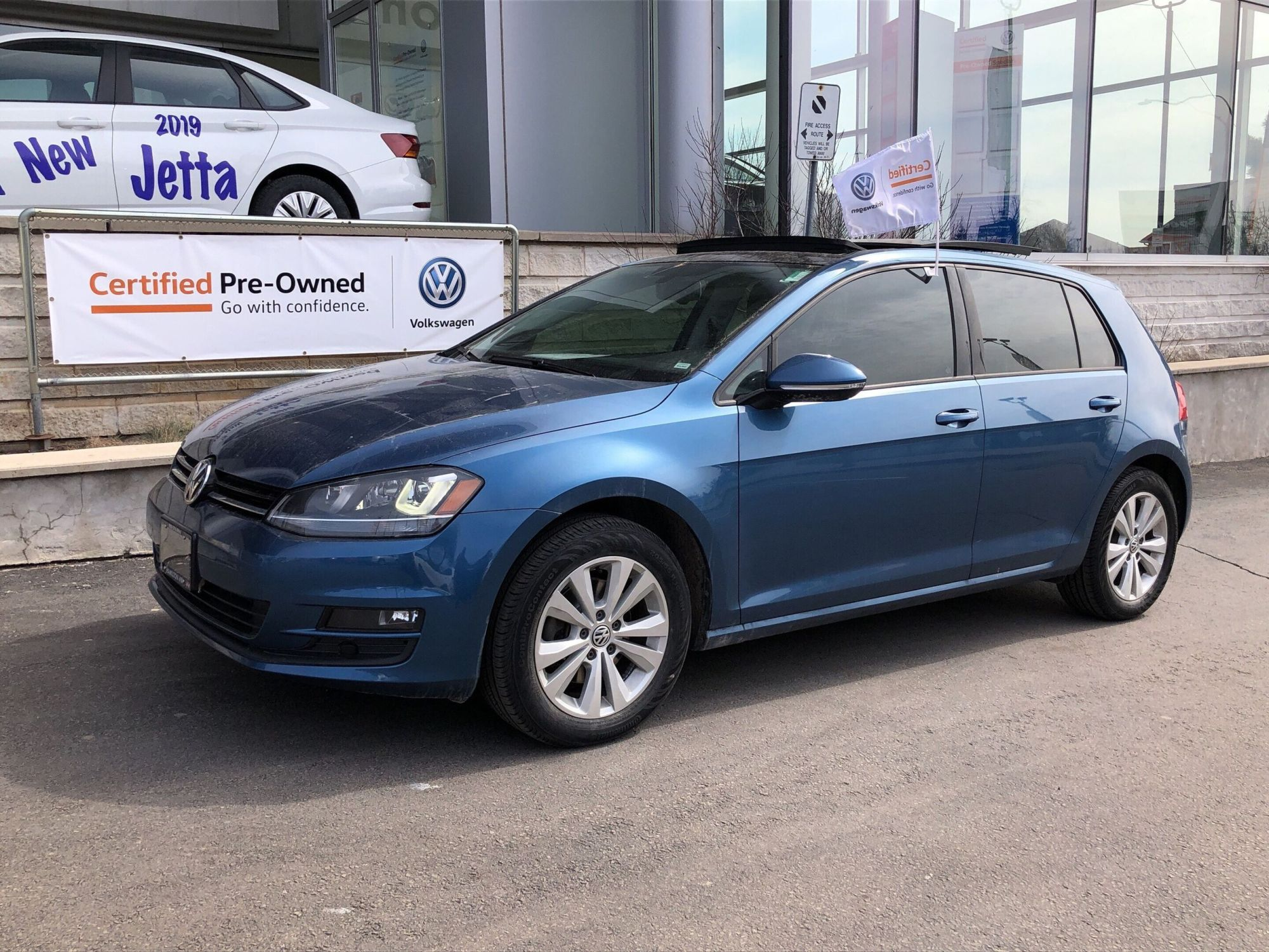 hight resolution of used 2015 volkswagen golf comfortline for sale 17999 0 hamilton volkswagen