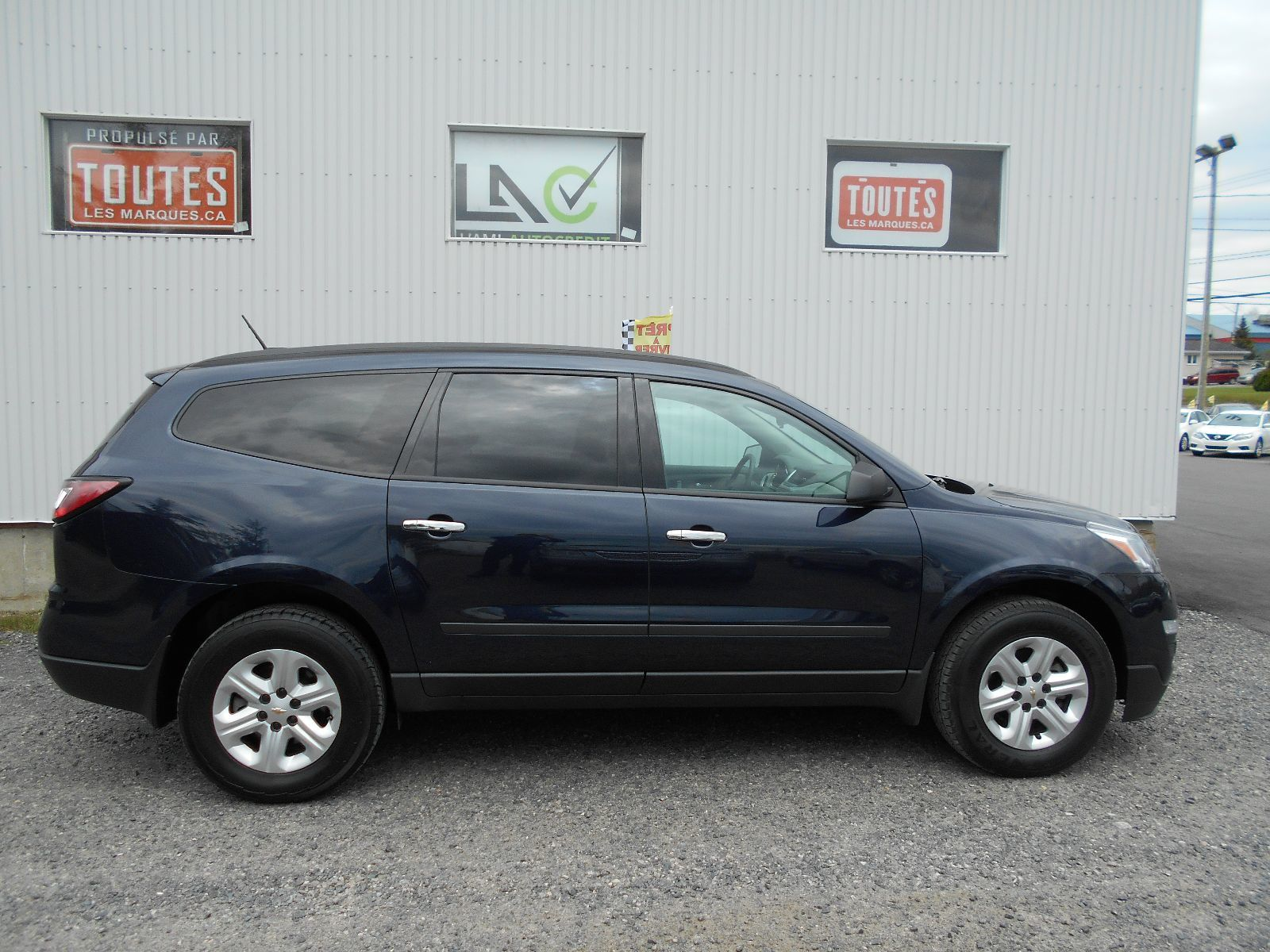 hight resolution of used 2017 chevrolet traverse ls for sale 28995 0 l ami autocr dit secteur saguenay