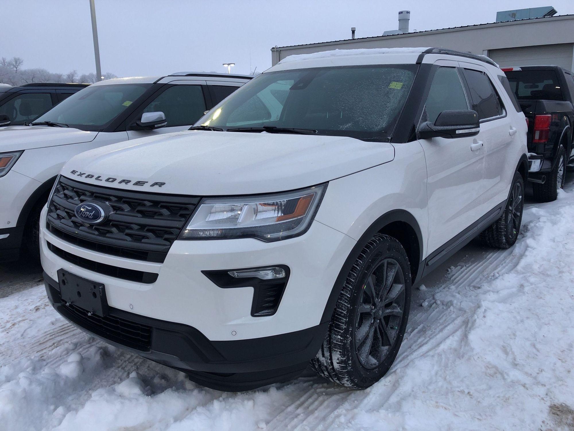 hight resolution of new 2019 ford explorer xlt white platinum tri coat met for sale 54196 75 19t3742 vickar ford winnipeg