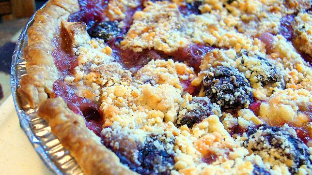 Oregon: Apple & Blackberry Pie