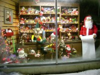Front Window Christmas Decorations Photograph | Christmas St