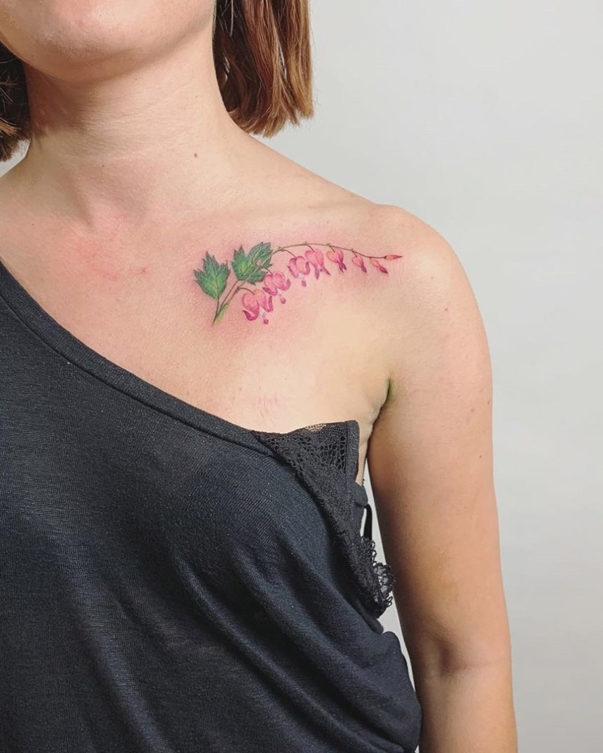 Here, 70 easy and small flower tattoos design ideas.  Whether you're thinking of getting a rose tattoo, bluebell flower tattoo or sunflower tattoos that there's a perfect flower tattoos waiting for you to Copy. #Tattoos #SmallTattoos #FlowerTattoos