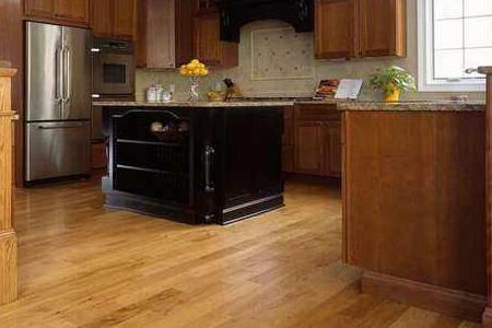 cork floor kitchen stainless steel grid for sink 厨房可以铺木地板吗 厨房地砖用什么颜色好呢 房天下装修知识