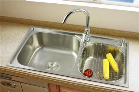 standard size kitchen sink cabinets door handles 厨房水槽尺寸规格 厨房水槽选购注意事项 房天下装修知识