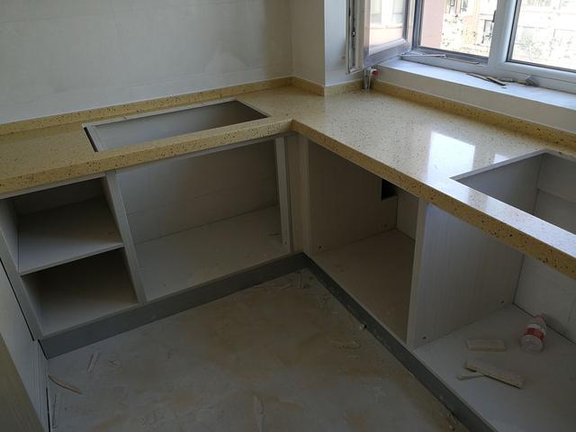 kitchen stone used metal cabinets for sale 厨房台面用不锈钢还是石英石好 有钱人都这么选 太实用了 房天下