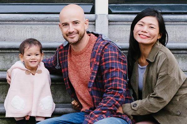 二寶胎死腹中 吳鳳幫助妻子完成孕程紀錄 | 臺灣藝人吳鳳 | 陳錦玉 | 希望之聲
