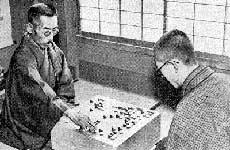 左为本因坊秀哉,右为吴清源(Wikimedia Commons)