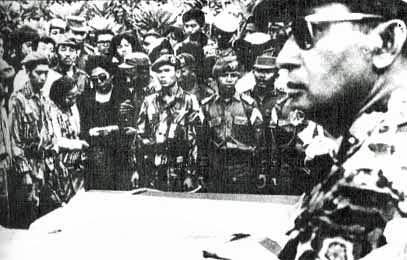 苏哈托于1963 (Wikimedia Commons)