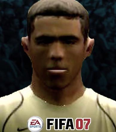 FIFA : l'évolution folle de la tête de Carlos Tevez depuis 2004