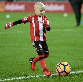 """Morto il piccolo Bradley Lowery, la """"mascotte"""" del calcio inglese"""
