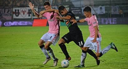 Semifinale playoff serie B. Botta e risposta nella ripresa, Venezia-Palermo finisce pari
