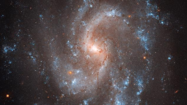 La galaxie 5584 photographiée par le télescope Hubble