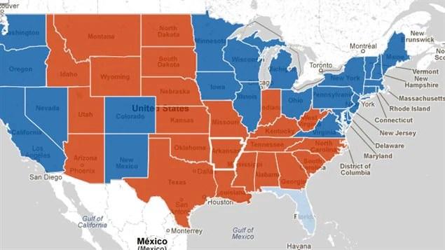 Les États en bleu ont été remportés par Barack Obama et ceux en rouge par Mitt Romney. Hors carte, l'Alaska est allée au candidat républicain et Hawaï au président sortant. Ce dernier est en avance en Floride, mais les résultats ne sont pas finaux.
