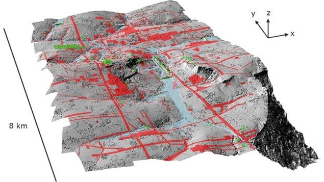 Les zones en vert correspondent aux découvertes archéologiques déjà documentées, tandis que celles qui apparaissent en rouge montrent les plus récentes mises au jour cachées par la jungle.