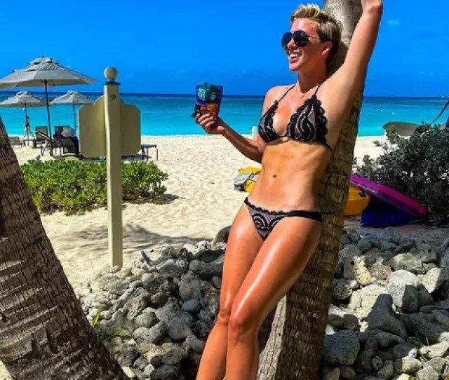 Savannah Chrisley Stuns In Tiny String Bikini On The Beach