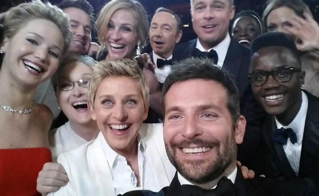 Why Celebrities Begin Trending Online