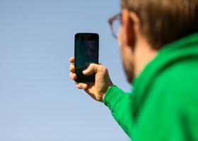 Feinstaub per Himmel-Foto analysieren? Das Projekt hackAIR hat eine App entwickelt, die genau das im Fokus hat.