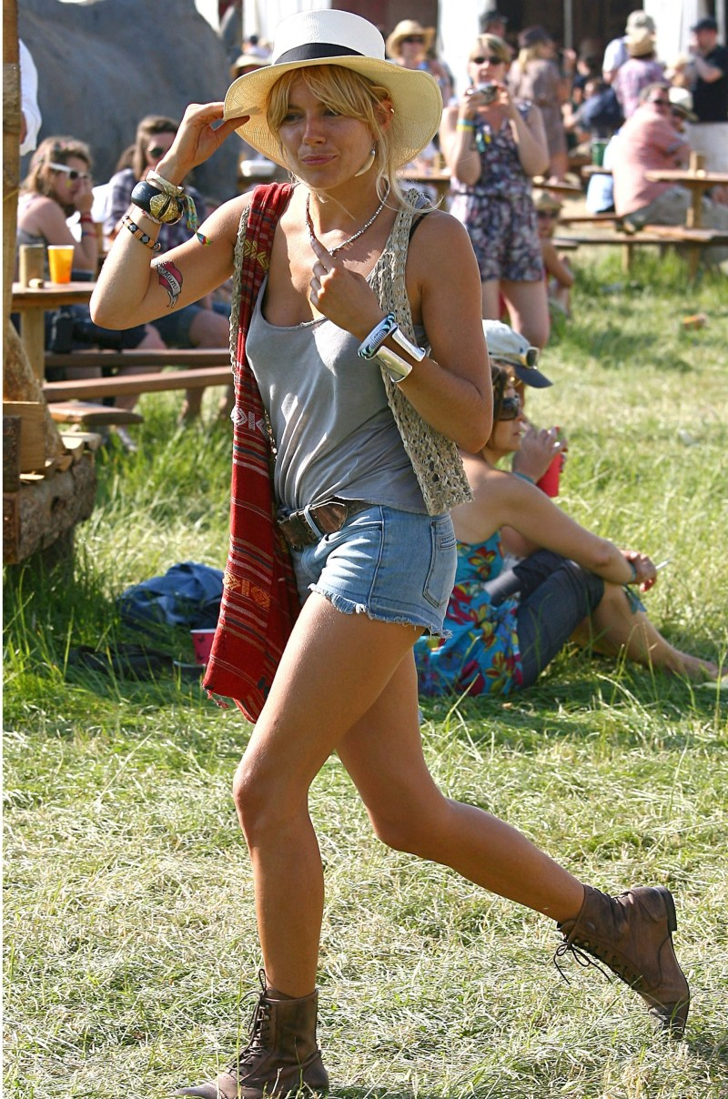 What To Pack For Glasto If It Pours All Weekend