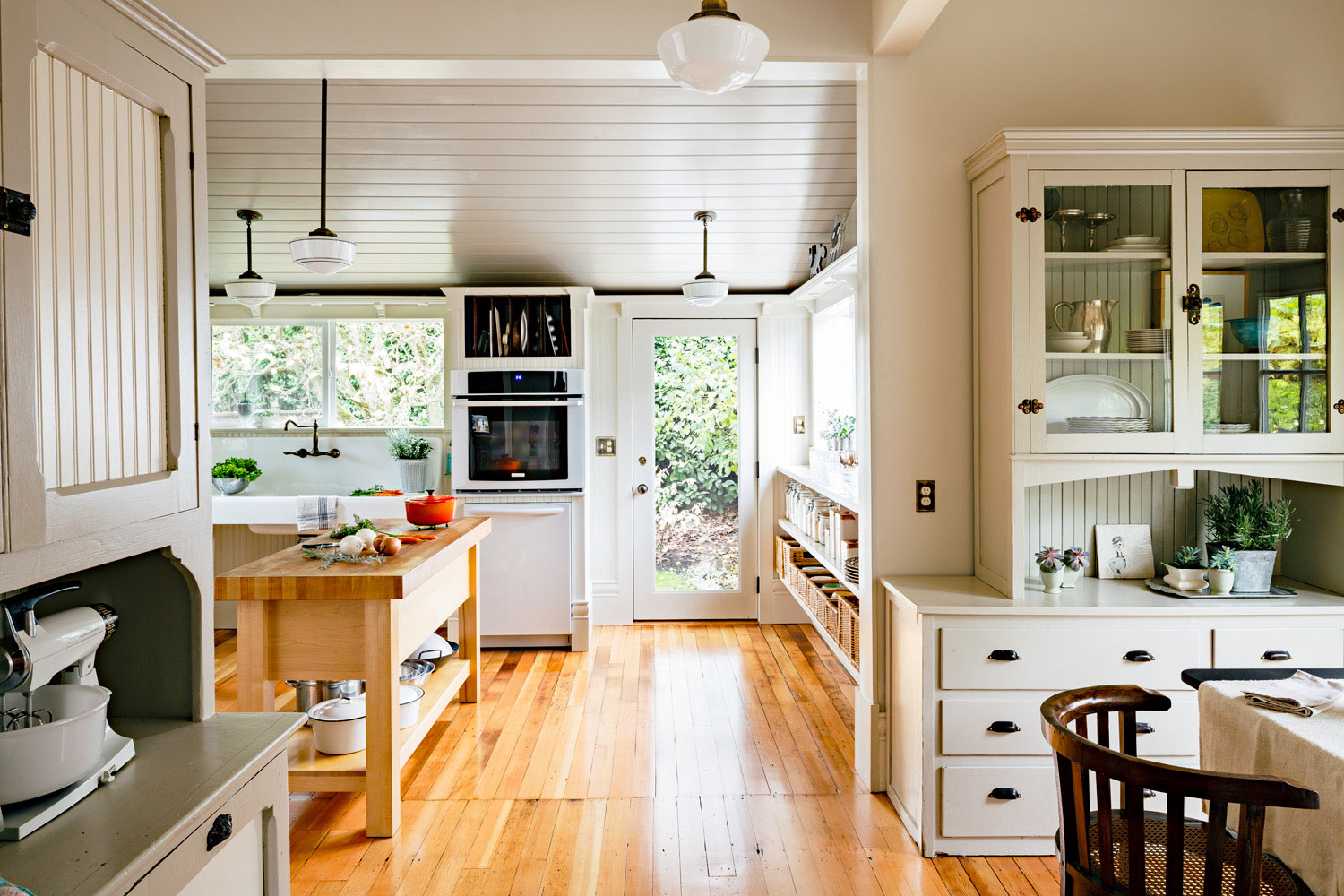 how to design a vintage-modern kitchen - sunset magazine