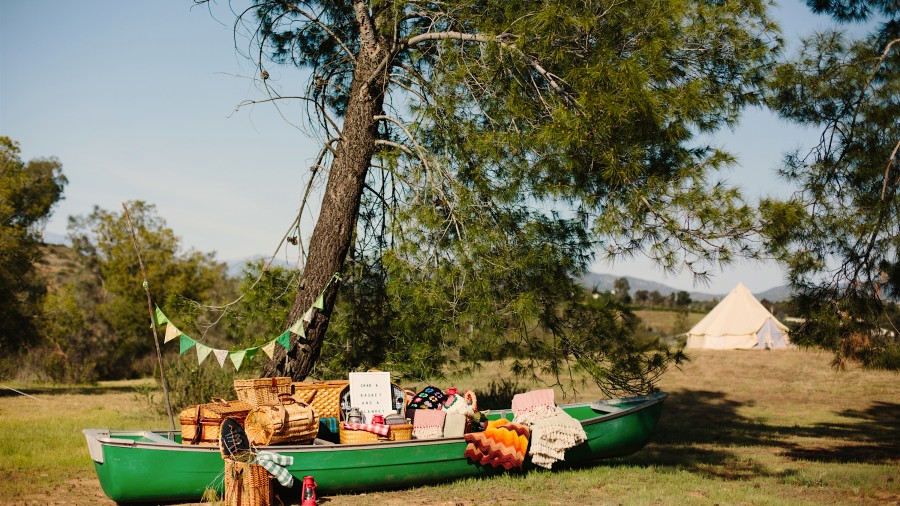 Ideas For The Perfect Camping-Themed Wedding