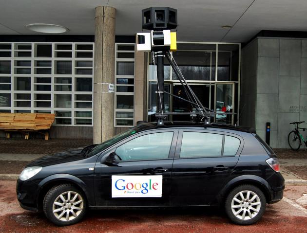 Google_Street_View_Car_01