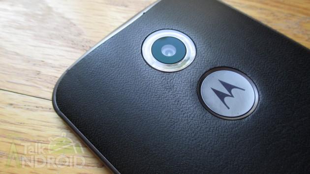 Moto_X_2014_2nd_Gen_Slanted_Back_Motorola_Logo_Camera_Lens_01_TA