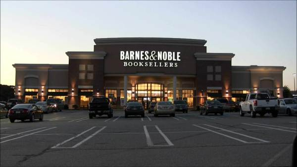 Barnes Noble plans to reenter the tablet market with