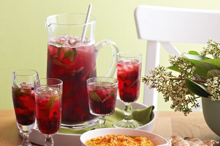 Mixed berry and apple punch