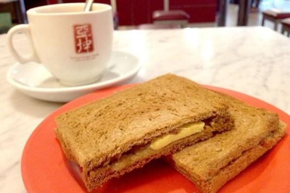 【台北食記】亞坤咖啡店 康熙來了小S推薦 咖椰吐司新加坡傳統美食 內湖早餐下午茶推薦