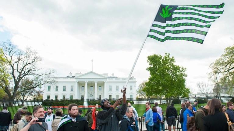 How to Navigate Washington, D.C.'s Sort-of-Legal Marijuana Market