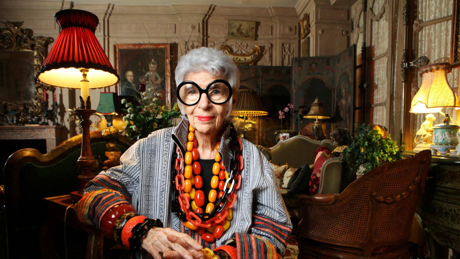 The Fabulous Life of Iris Apfel A Fashion Icons Latein