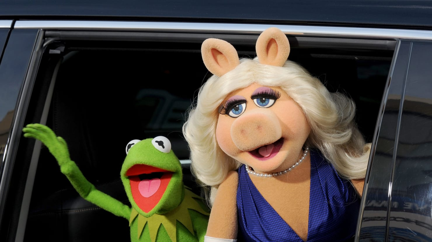 Exclusive: Kermit the Frog Grills Miss Piggy About