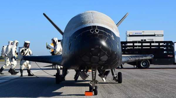 Elon Musk Launches Secret Robot Space Shuttle